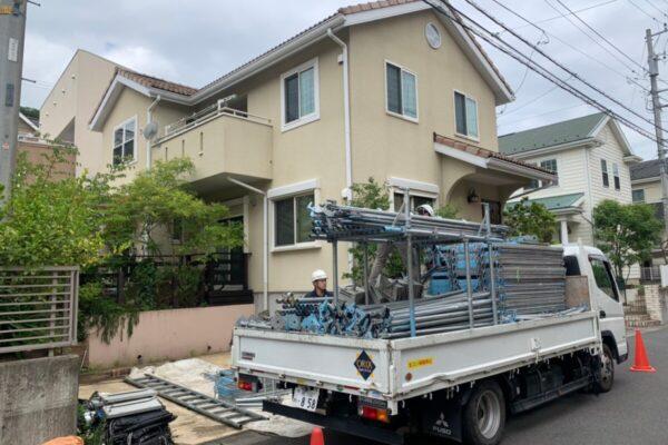足場組立工事!:厚木市の外壁塗装・屋根塗装専門店の亜久里工業
